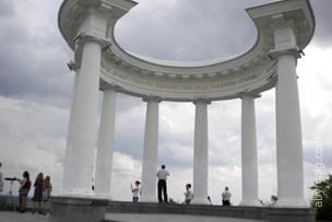 Ротонда дружбы народов - Полтава